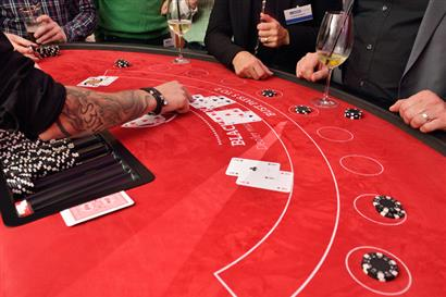 Pokertisch im Casino