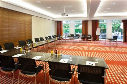 Seated conference room with beamer